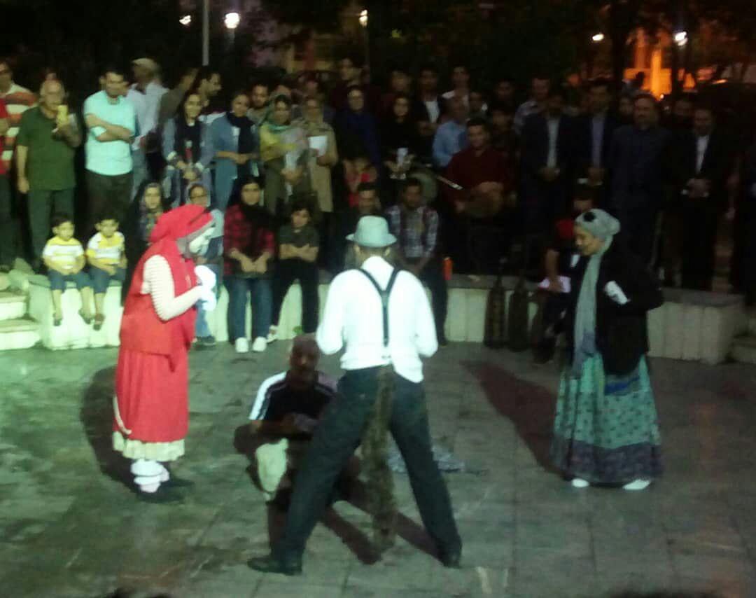 نمایش های محیط زیستی جشنواره تئاتر خیابانی لاهیجان