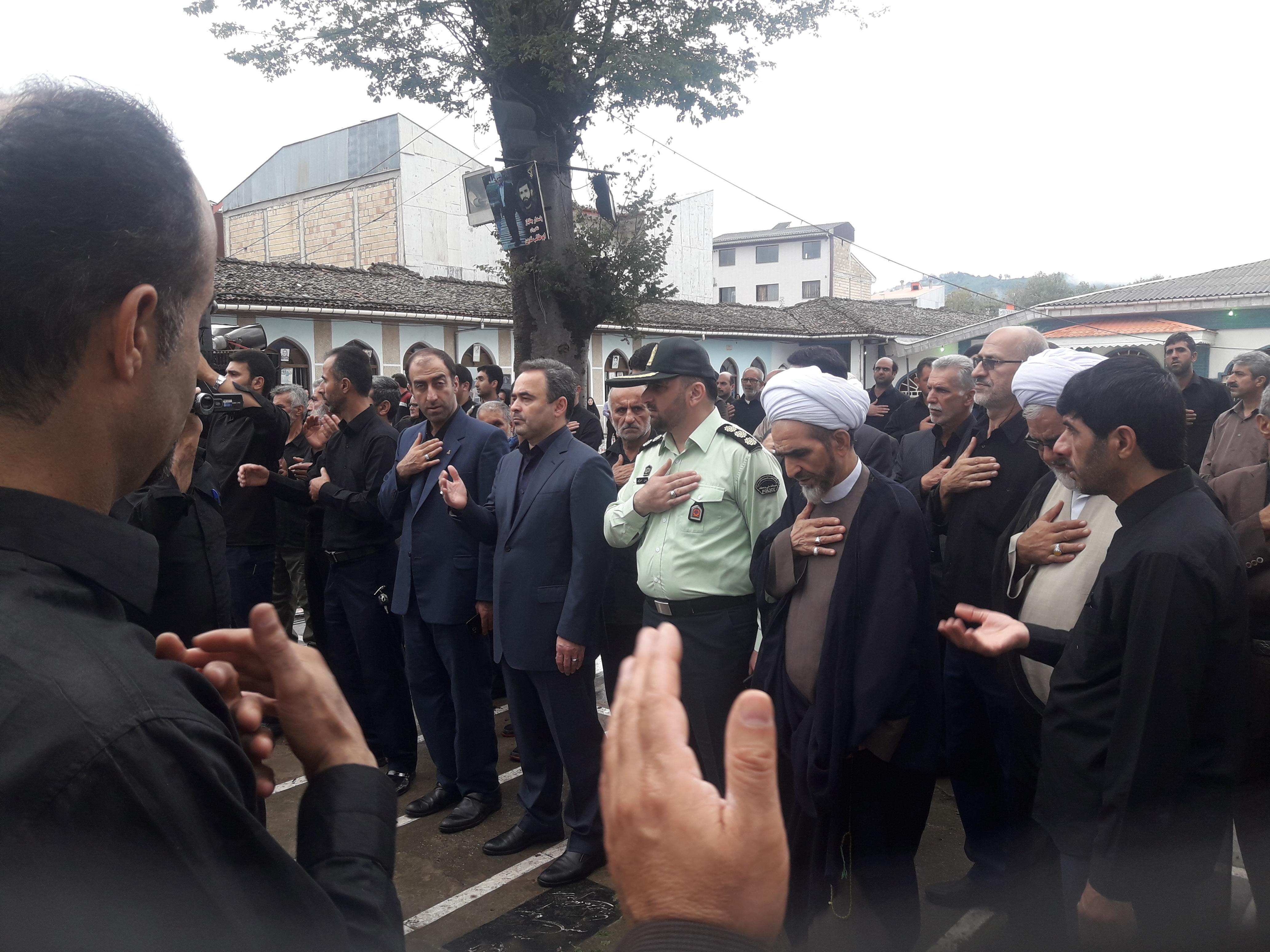 گزارش تصویری از عزاداری ظهر عاشورا در لاهیجان