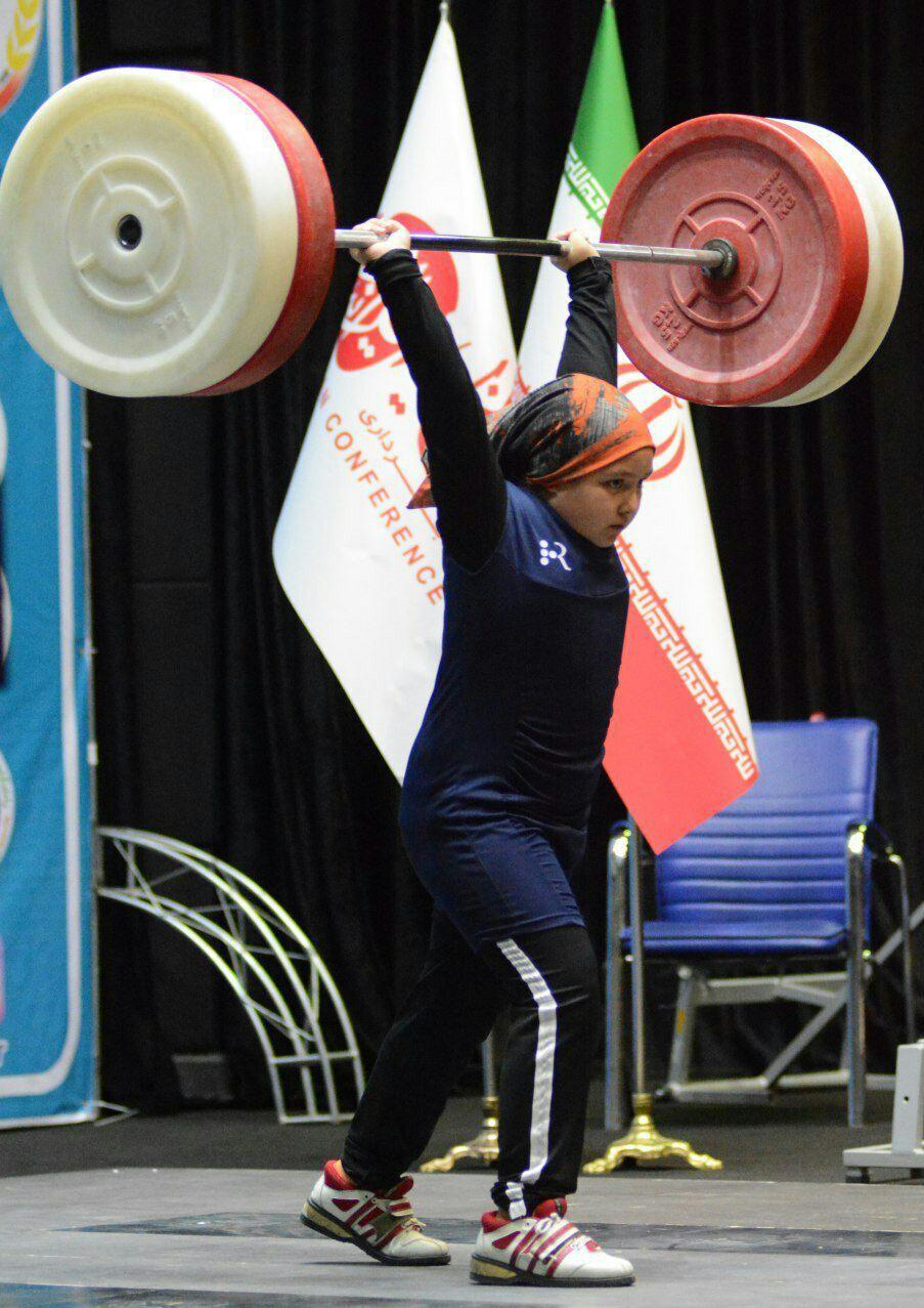 رو نمایی از لباس تیم ملی وزنه برداری بانوان ایران