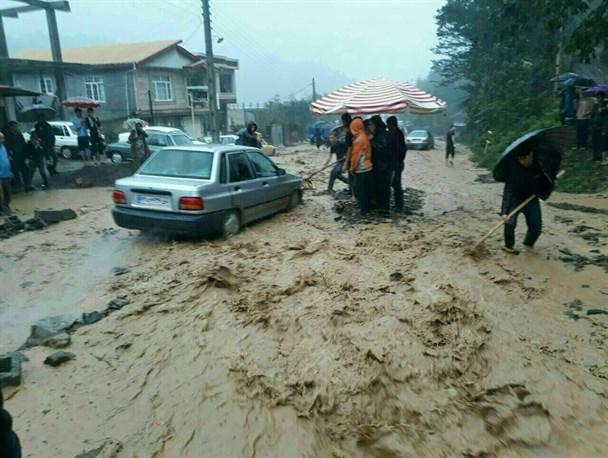 ادامه بارش شدید باران ، آبگرفتگی معابر و تعطیلی مدارس در گیلان