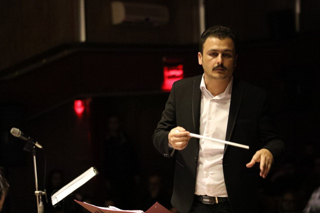 دلنوشته ی مهیار حسین پور؛ رهبر ارکستر آرشیو شرق گیلان