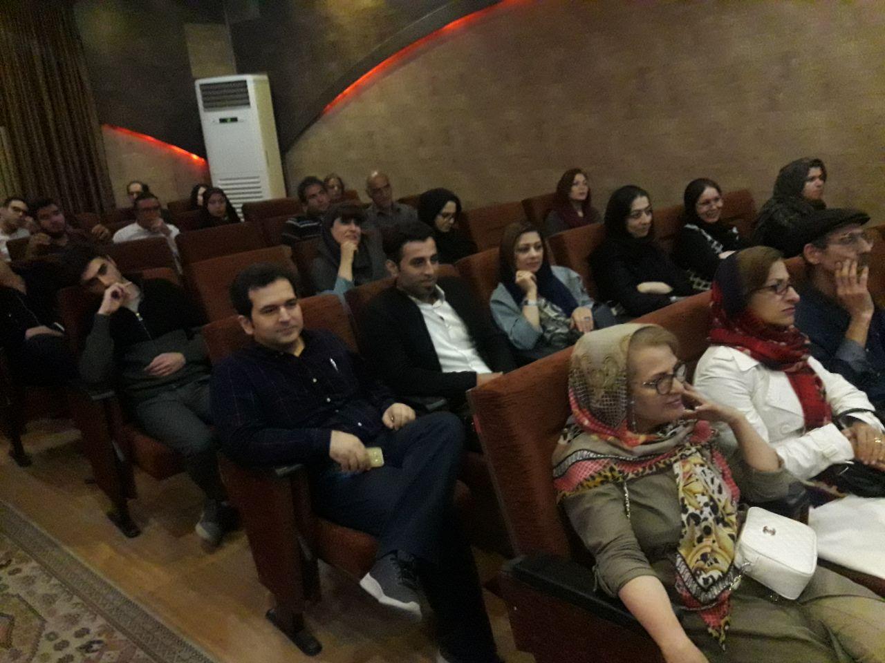 به مناسبت روز بزرگداشت حافظ همایش «در محضر دوست» با حضور مسئولین و شاعران برگزیدهی استان و کشور و در میان استقبال علاقهمندان به شعر و ادب پارسی در لاهیجان برگزار شد.