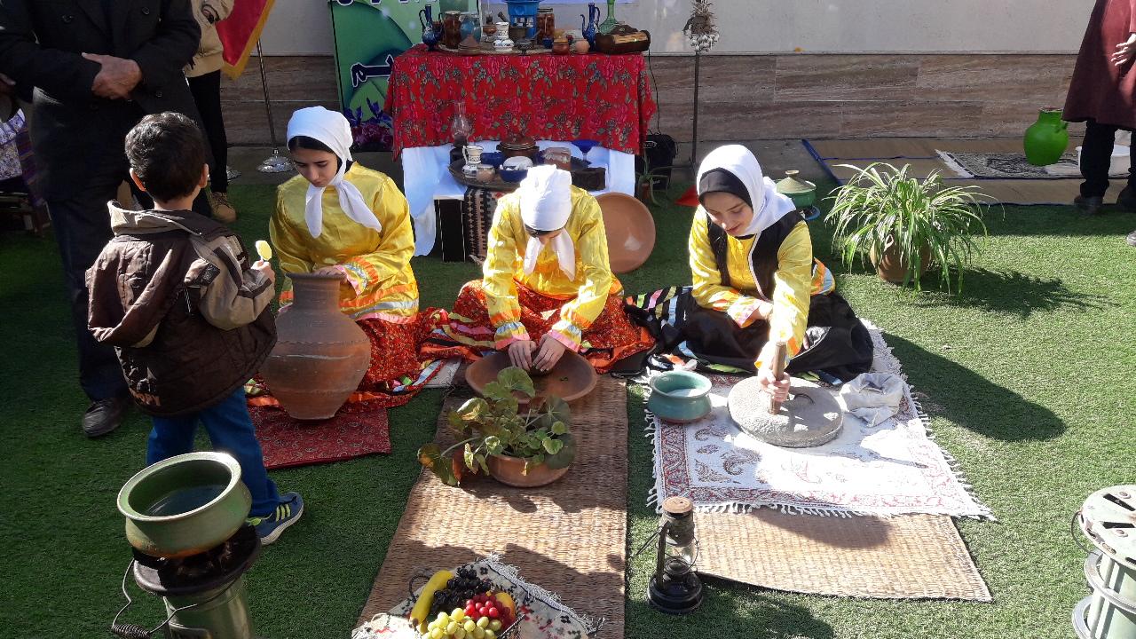 بازارچه ای با طعم مهربانی در بندر کیاشهر