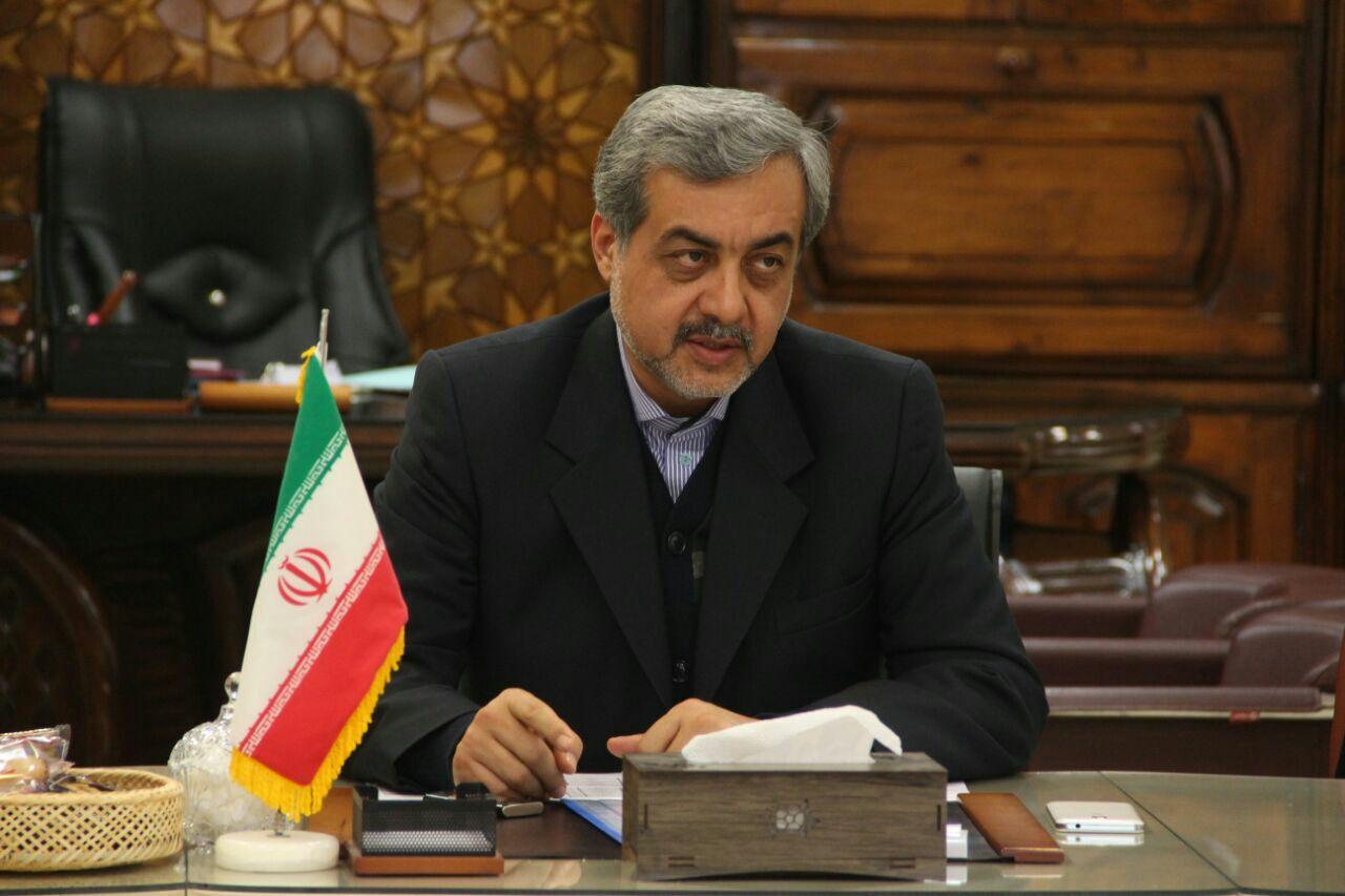 فرماندار لاهیجان بر شناسایی و کمک به دانش آموزان بی بضاعت تاکید کرد
