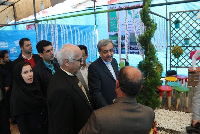 گزارش تصویری بازدید فرماندار،شهردار و اعضای شورای اسلامی شهر از نمایشگاه گل و گیاه شهرداری لاهیجان