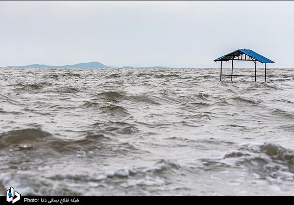⭕️ تغییر موضع کلانتری درباره دریاچه ارومیه/ معاون روحانی: دریاچه ارومیه سال آینده احیا میشود