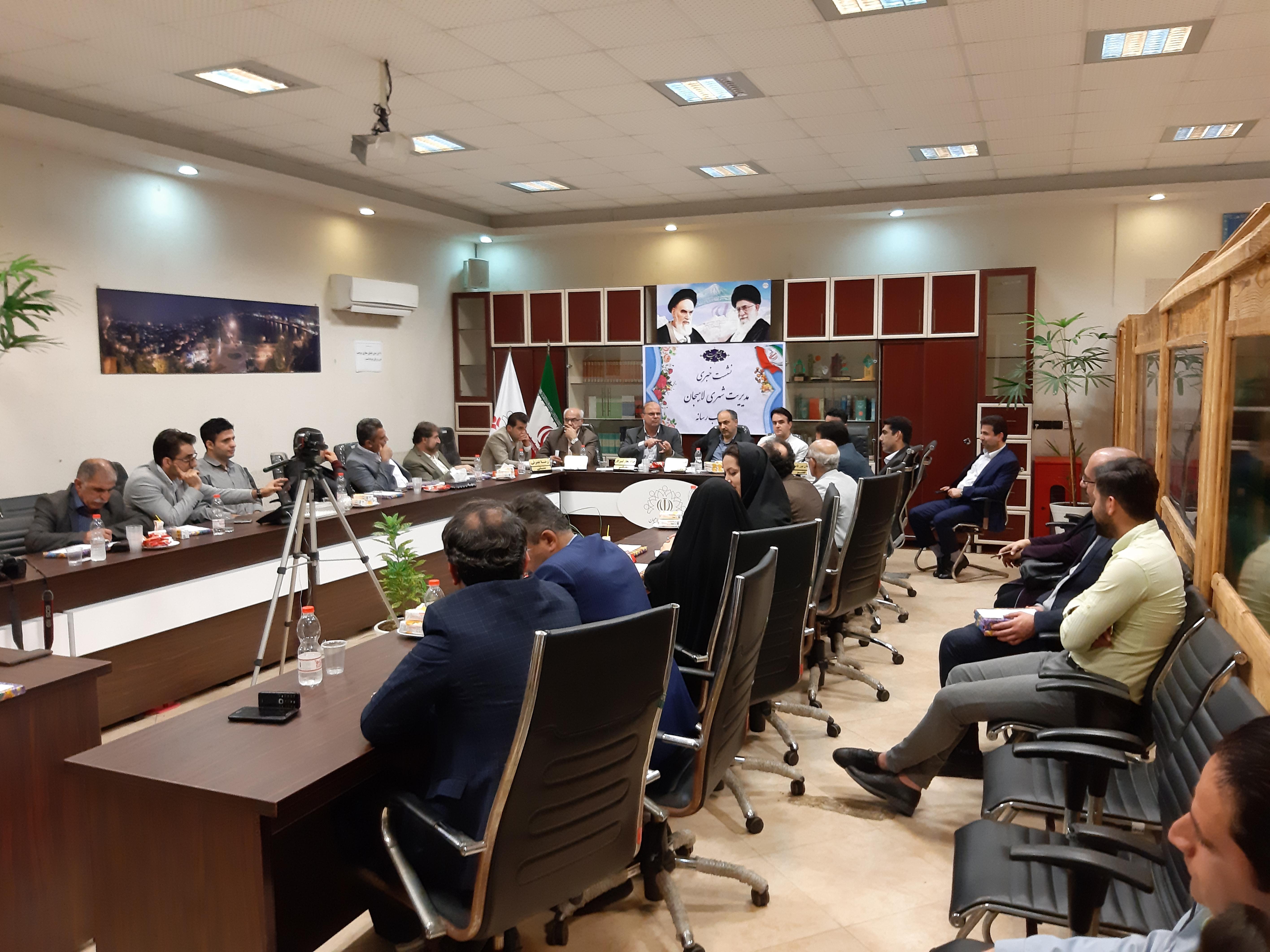 مباحثه پیرامون پسماند و معضلات روستای تموشل در نشست رسانه شورای شهرستان لاهیجان