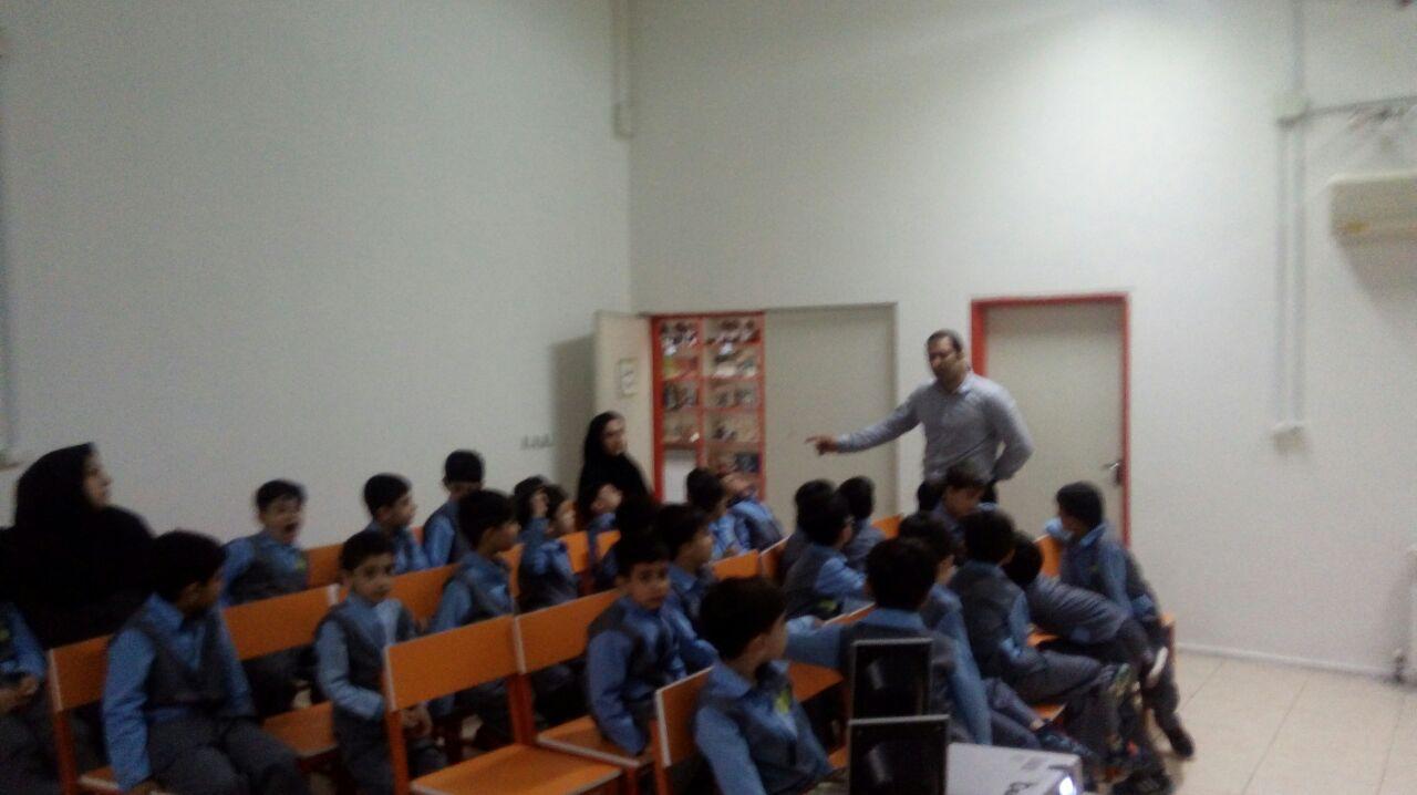 برگزاری کارگاه آموزشی کودک و محیط زیست در کانون پرورش فکری کودکان ونوجوانان لاهیجان