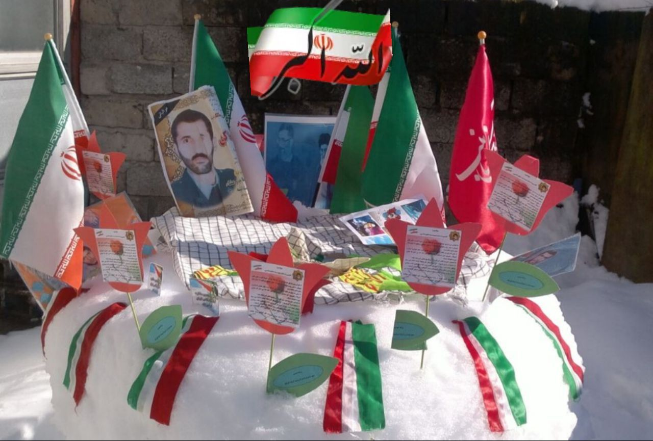 برپایی نمایشگاهی بمناسبت فرارسیدن ۲۲ بهمن سالروز پیروزی انقلاب اسلامی ایران در آستانه اشرفیه