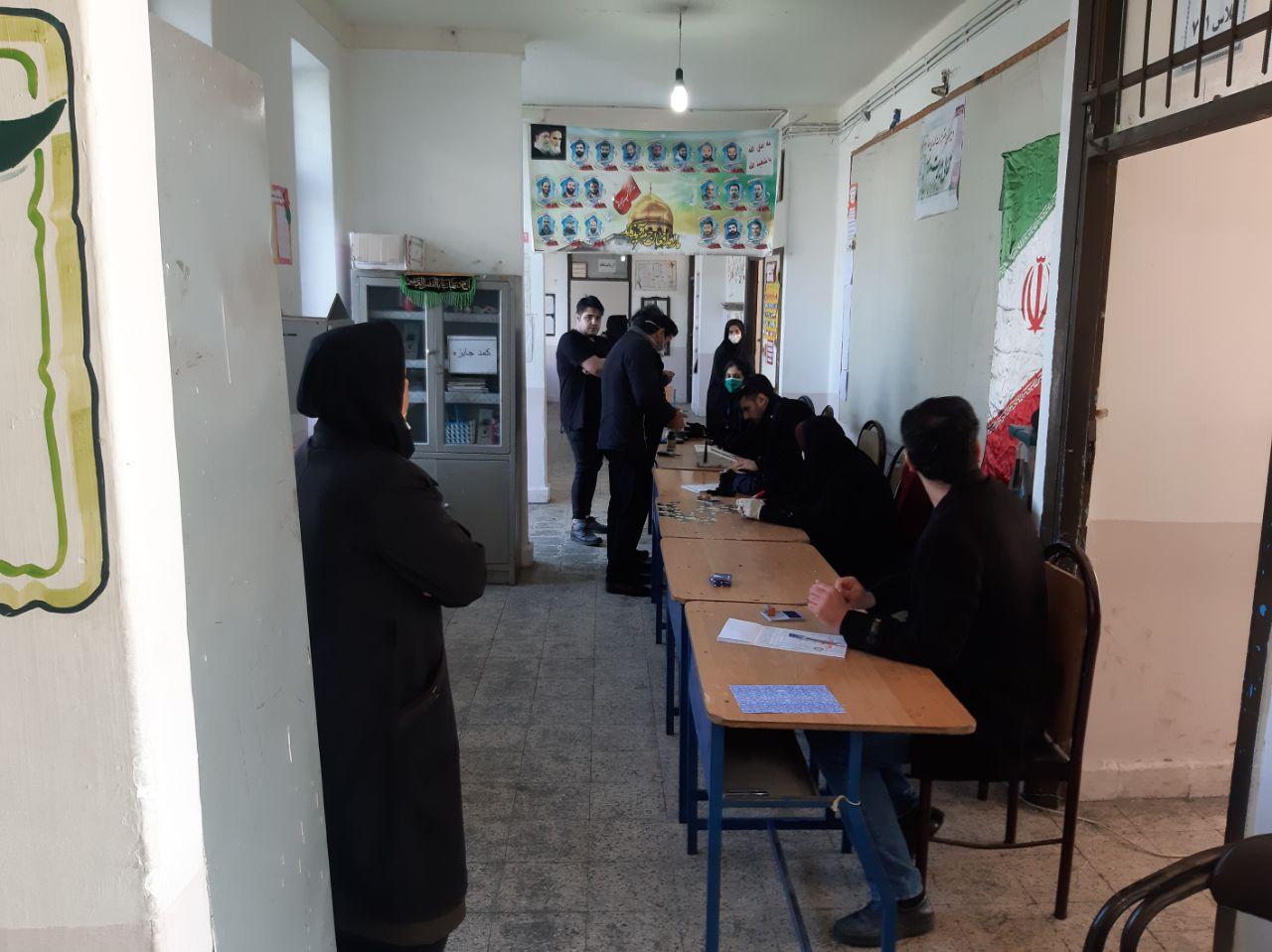 گزارش تصویری از شعب اخذ رای حوزه انتخابیه لاهیجان و سیاهکل